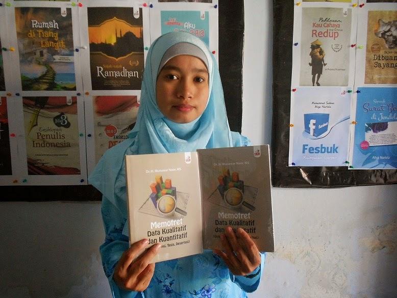 """Dosen Untag Semarang Tulis Buku """"Memotret Data Kualitatif dan Kuantitatif"""""""
