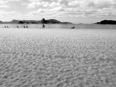 Praia do Flamengo, by Guillermo Aldaya / PhotoConversa