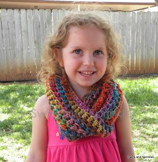 Swirls and Sprinkles: Free crochet infinity wrap/cowl pattern