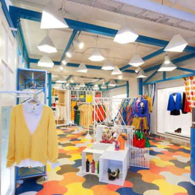 Fashionerias decorar tienda de ropa for Decoracion de almacenes de ropa