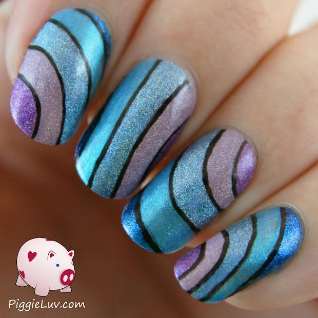 piggieluv wavy holo nail art