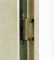 Sicherheitsmerkmale an Kellertüren