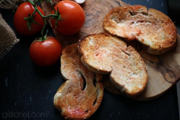 Tomato Bread (Tapas) | www.girlichef.com