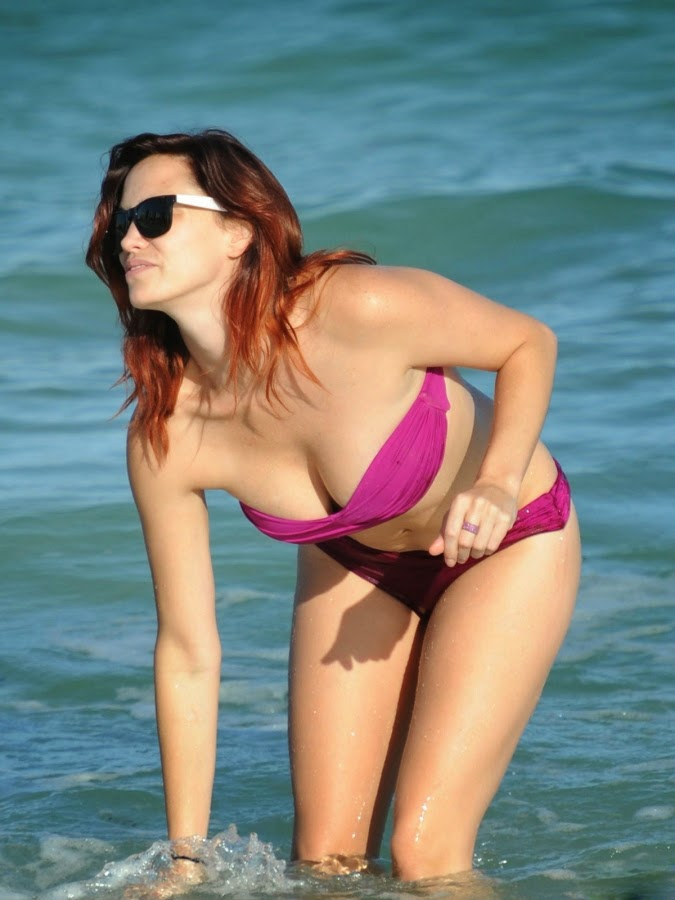 Hollywood model Jessica Sutta Bikini Photo Gallery at Miami Beach