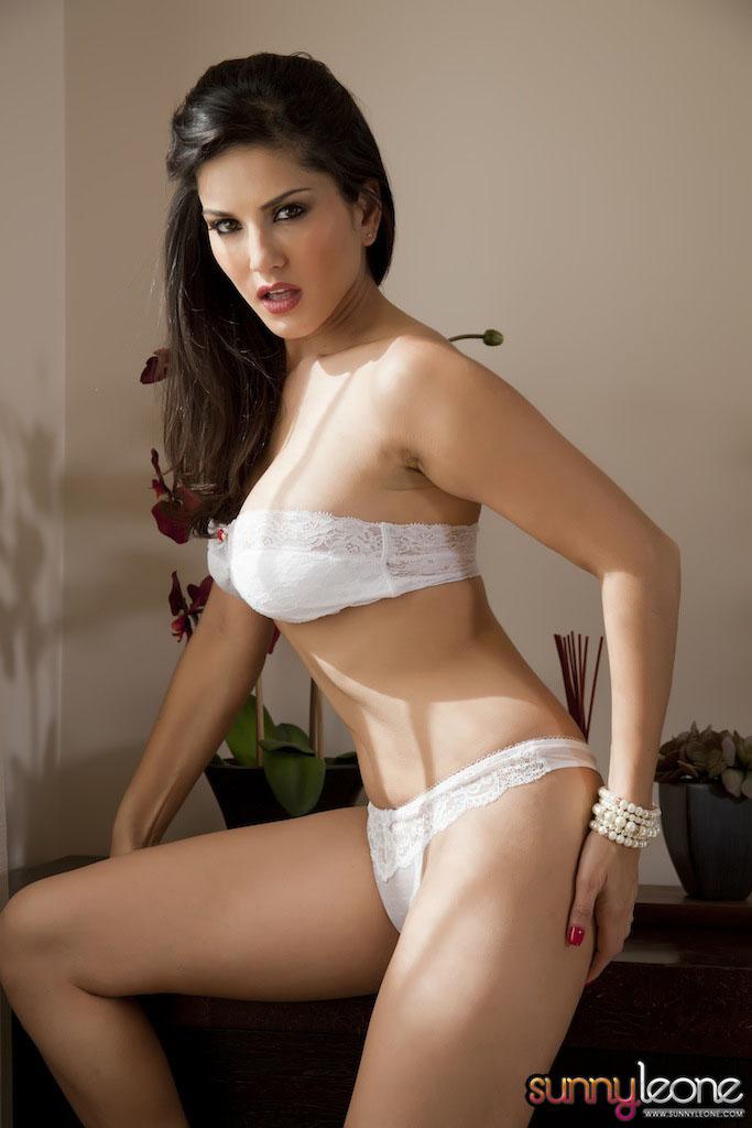www.celebtiger.blogspot.com Sunny+Leone+ +White+BikIni+(27) Sunny Leone Indian Pornstar Posing Nude In White Lingerie HQ Photos