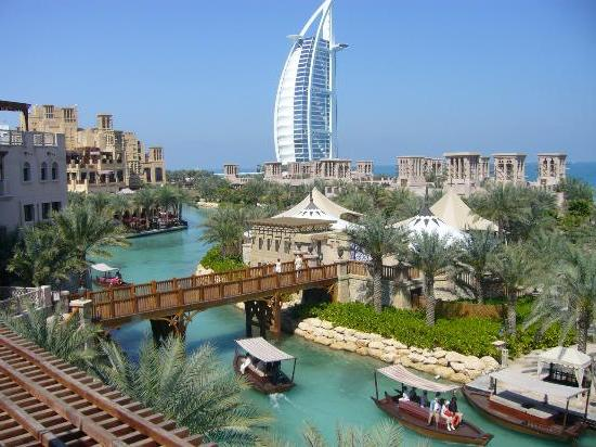 Dubai holidays building traveling for Top 20 hotels in dubai