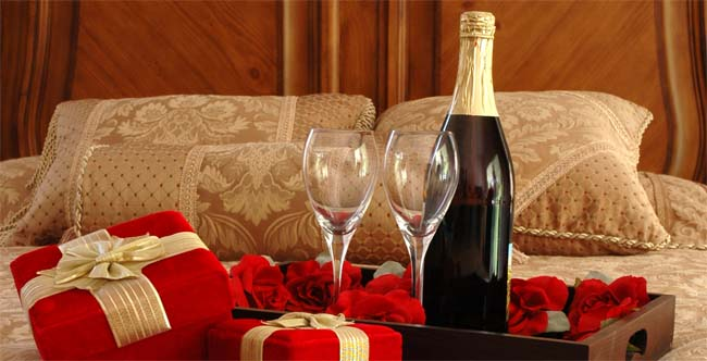 Valentine day romantic ideas to impress your partner - Romantic valentine room ideas ...