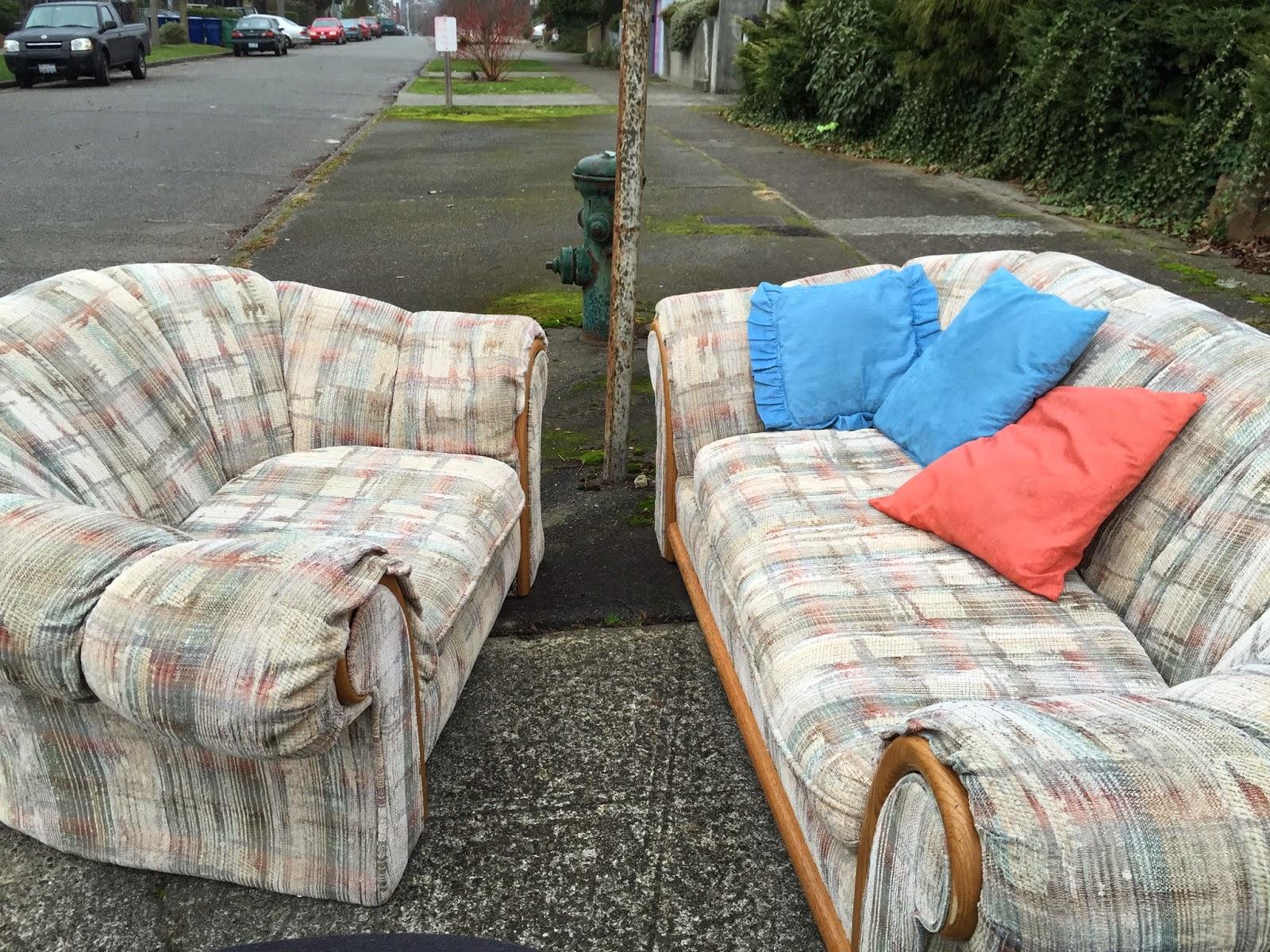 travelmarx a world of abandoned furniture. Black Bedroom Furniture Sets. Home Design Ideas