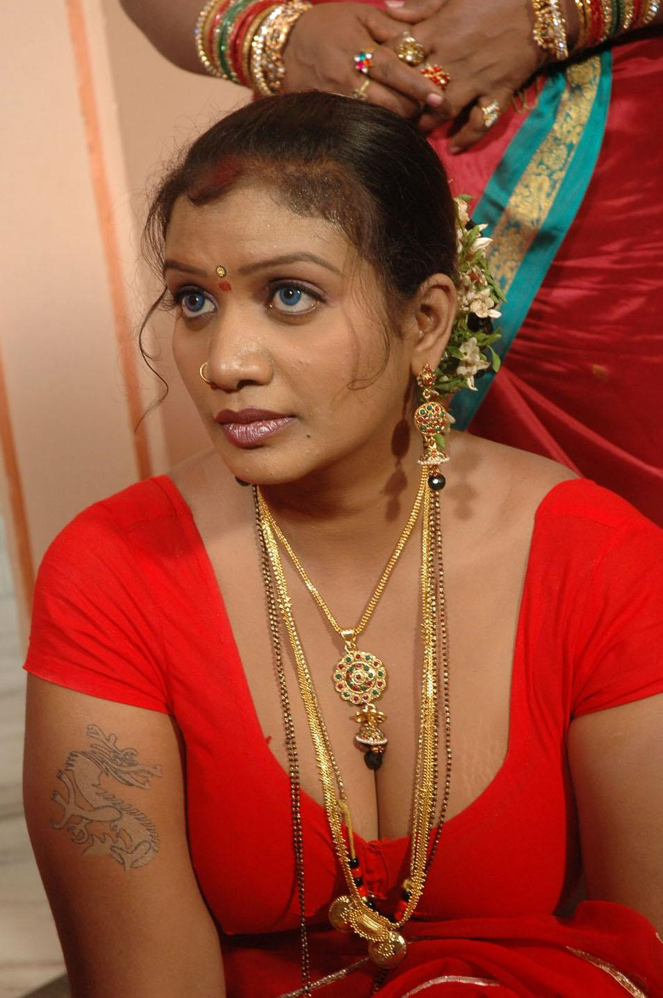 tamil hot acress mallika photos telugu mp3 songs