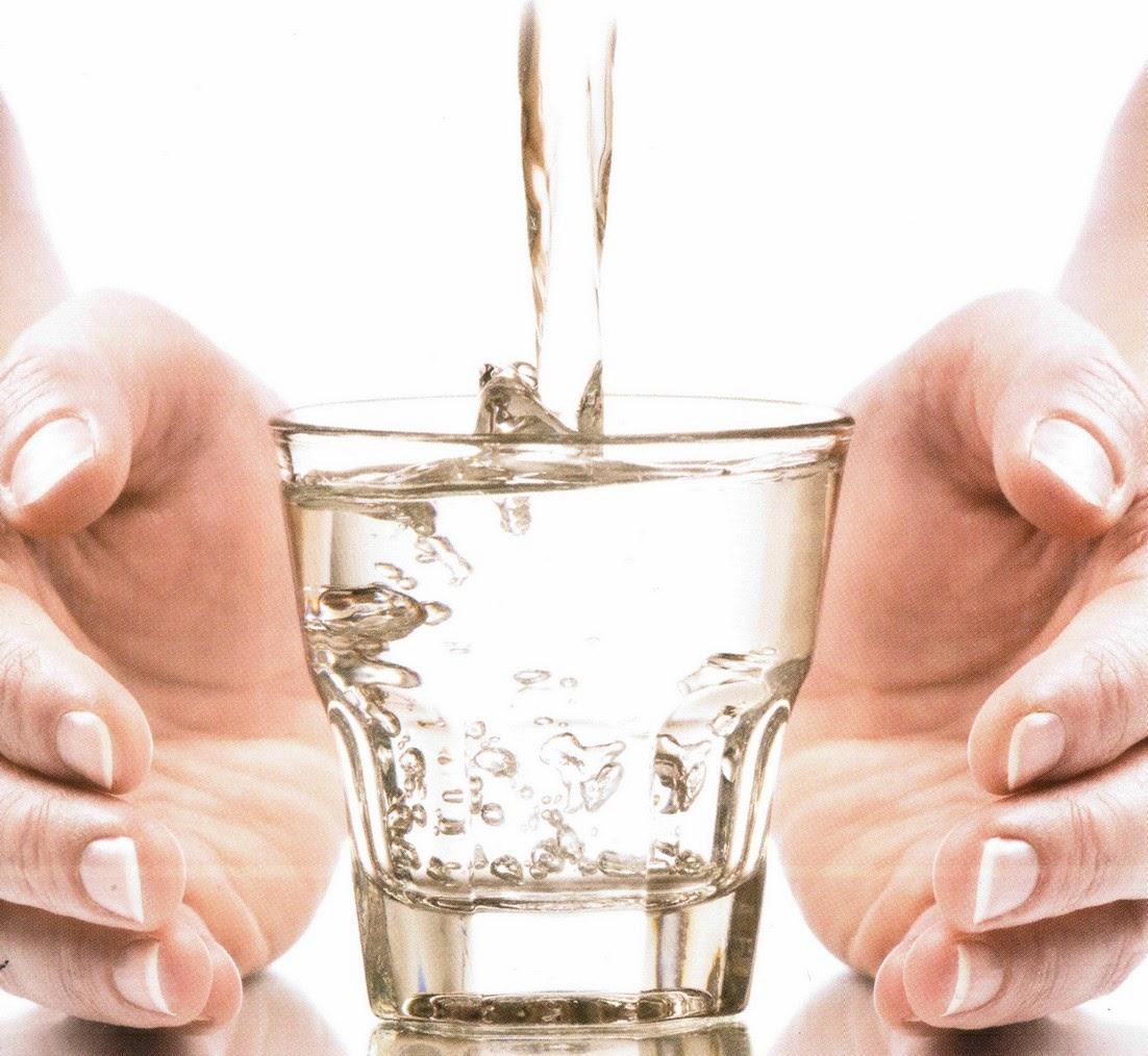 Elicottero Quanta Acqua Porta : Non dimenticate mai la vostra bottiglietta d acqua