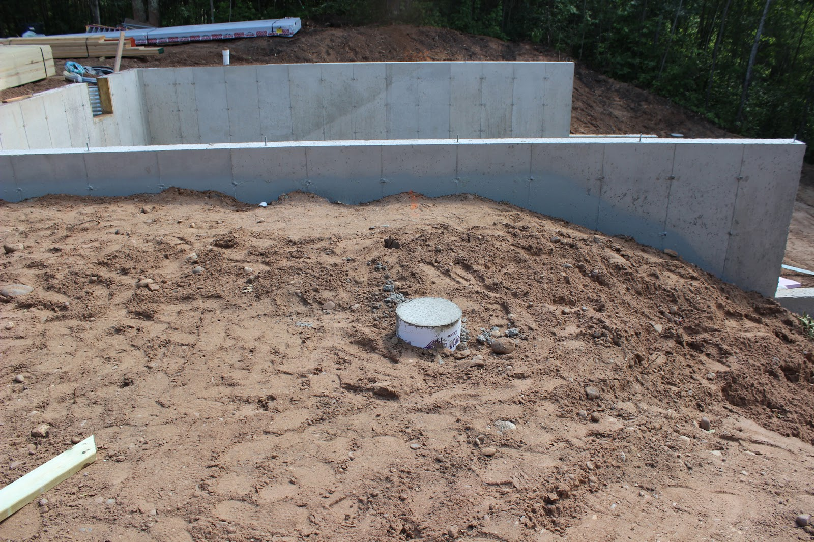 poured basement foundation i 39 m missing a few pictures of the process
