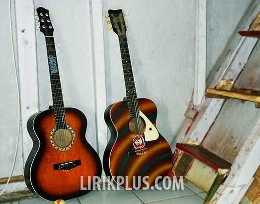 pasangan gitar