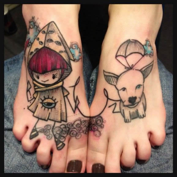 Tatuagens femininas nos pés cachorro e menina