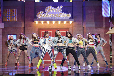 "SNSD JANUARY 2013 ""Romantic Fantasy"" Comeback Stage"