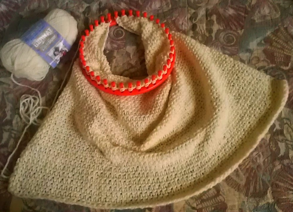 Knitting A Baby Blanket On A Round Loom : Loom lore brenda s basic baby blanket