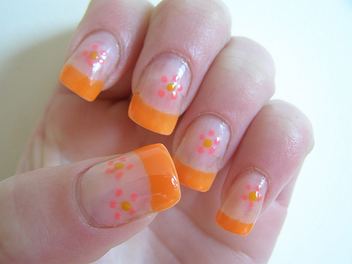 Orange Nail Art Designs for Short Nails