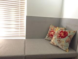 椅子張り生地、クッション<アンドリュー・マーチン>木製ブラインド<ナニック>