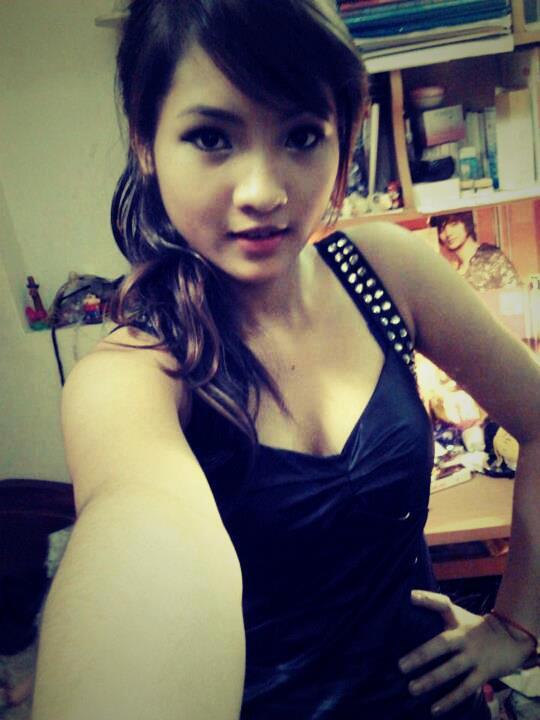 Foto-foto seksi. di facebook twitter, gaya narsis remaja indo, gadis mulus montok narsis remaja...