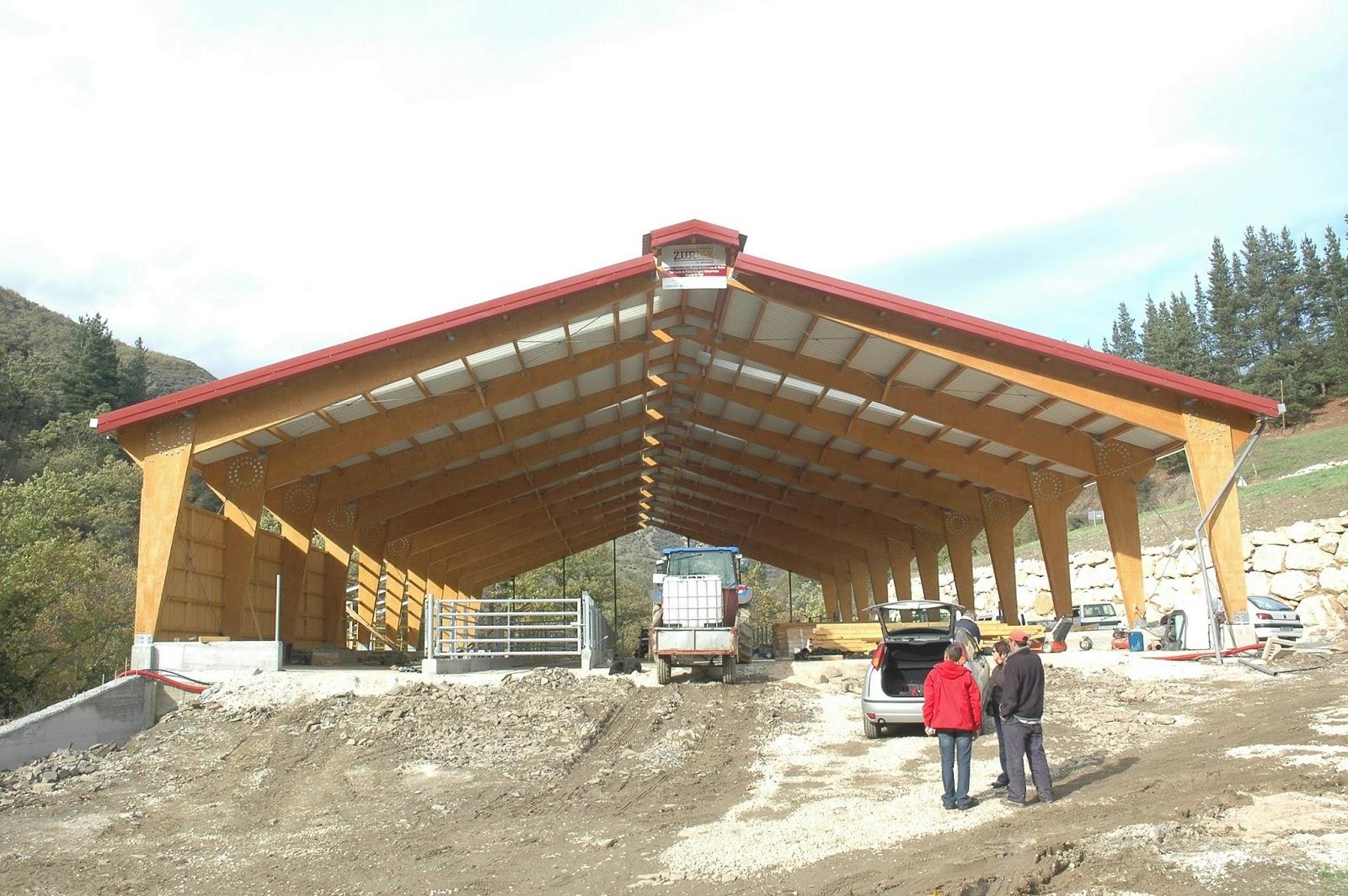 Estructura en la arquitectura for Tejados de madera prefabricados