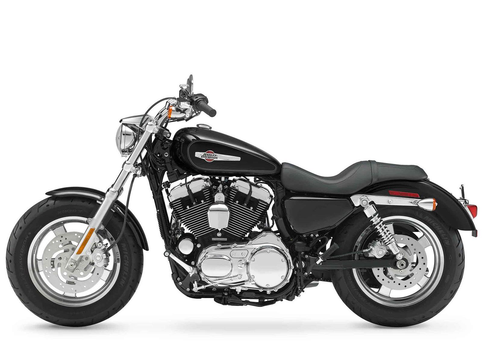 2012 XL1200C Sportster 1200 Custom Harley