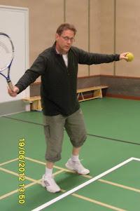 Muuttomies ja talonmies Tampereelta toimii työkykyään ylläpitäen myös tennisvalmentajana, joten ...