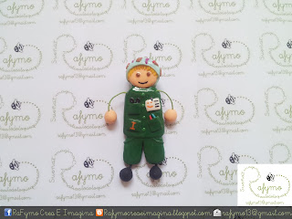 Broche de enfermera de quirófano de color verde hecho con Fimo