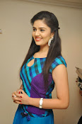 Sri Mukhi latest Photos at Muse Arts Gallery-thumbnail-11