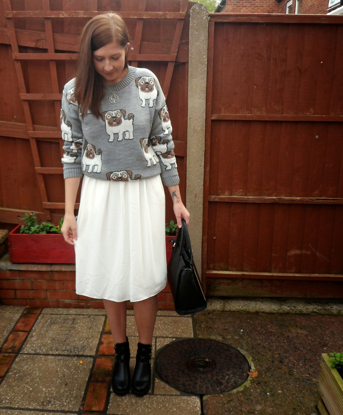 asseenonme, fashion, fashionbloggers, fbloggers, lookoftheday, lotd, celeblook, ootd, outfitoftheday, outfitpost, primark, whiteskirt, whatibought, whatimwearing, pugjumper, wiw, pugs, shoezone, blackboots
