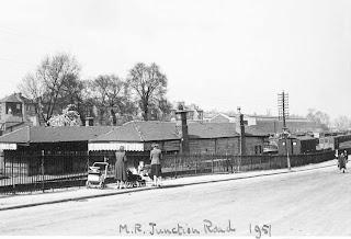 Junction Road railway station