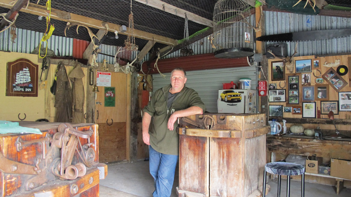 Man Caves Nz : Beattie s book unofficial homepage of the new
