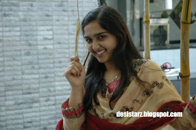 desistarz: Sanusha in Ethan as Heroine Photos