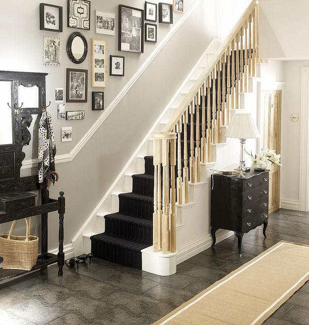 Classy stair handrail