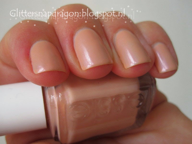 Essie Breezy Beach