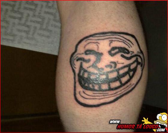 Tatuagens de Memes - Troll Face - Panturilha