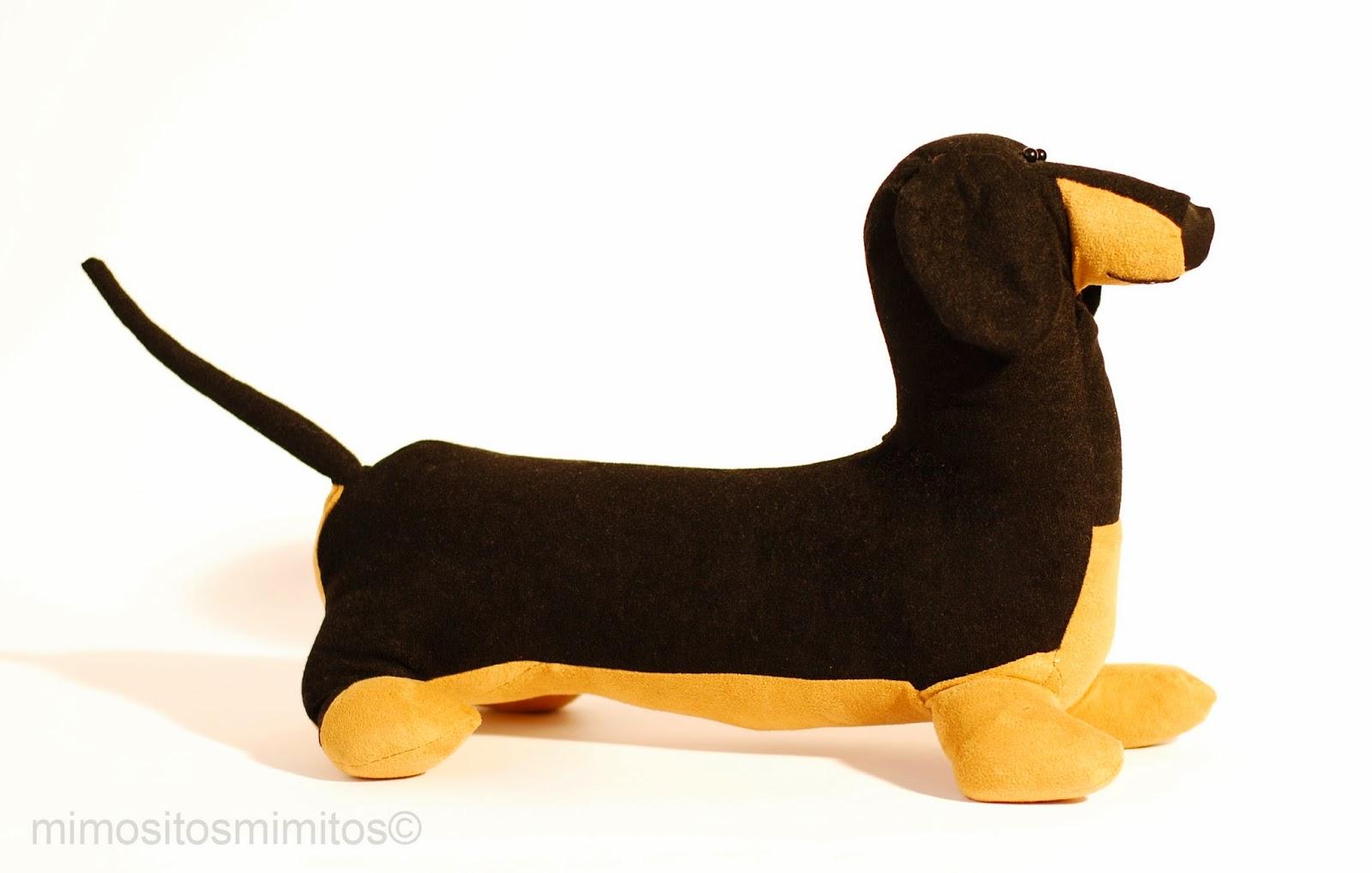 Perro salchicha teckel perlo corto negro muñeco personalizado stuffed toy cutomized