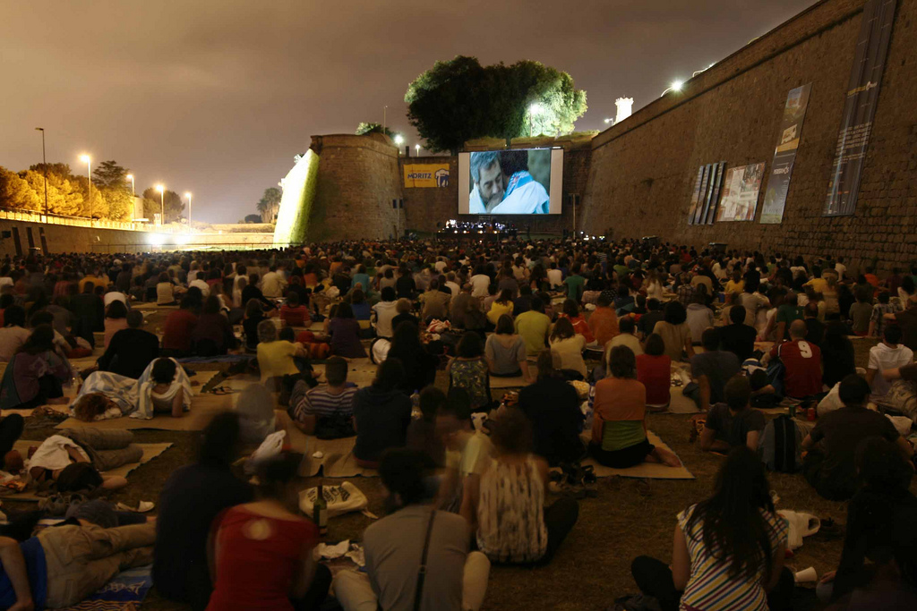 The Crochet Underground Cinema A La Fresca