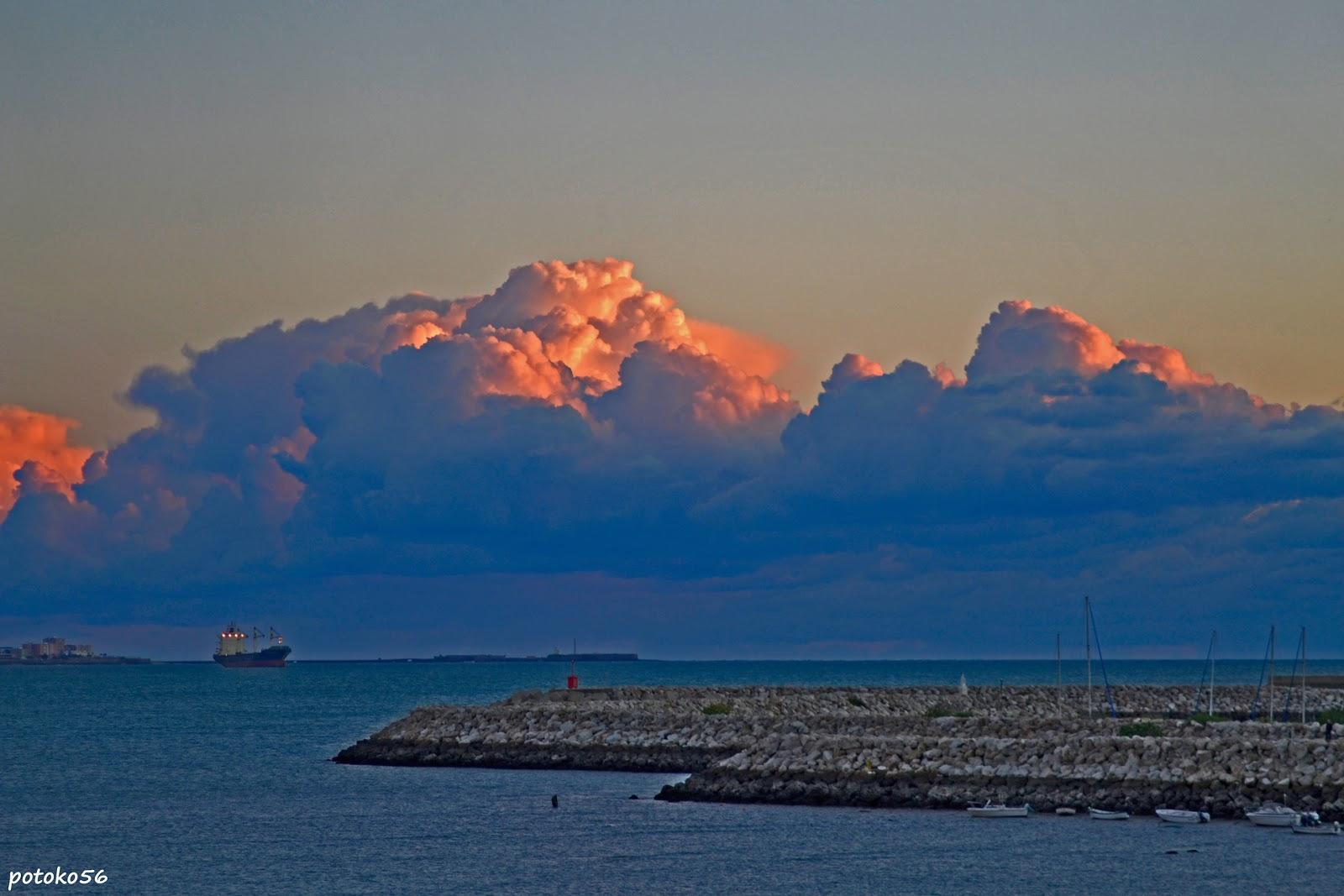 Espigón del Muelle de Rota, Fotografía del muelle roteño, Barco, imágen