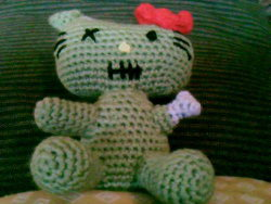 Amigurumi Halloween Free : 2000 free amigurumi patterns: zombie hello kitty crochet pattern