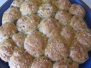 pão de queijo com oregãos