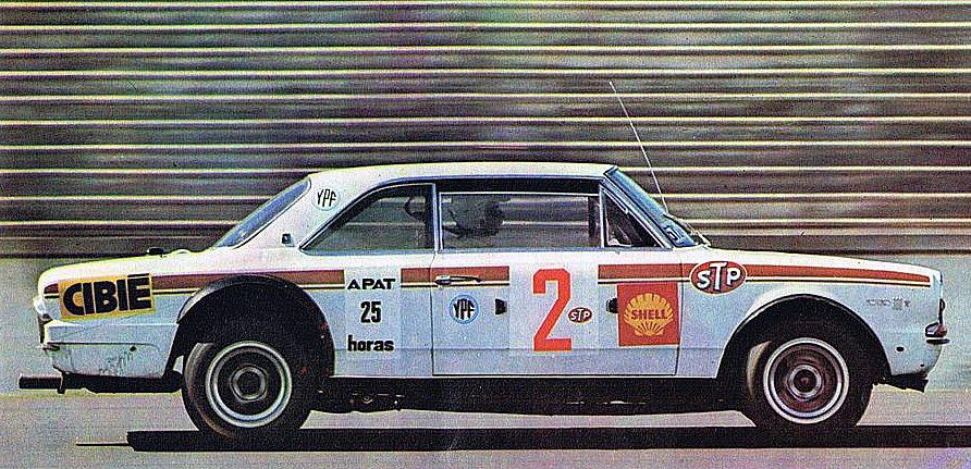 """27 de diciembre, 1969 / TERMINABAN LAS """"25 HORAS DE APAT"""" EN EL AUTODROMO DE BUENOS AIRES"""