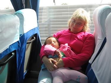 Mimi et maman dans l'autobus en Chine