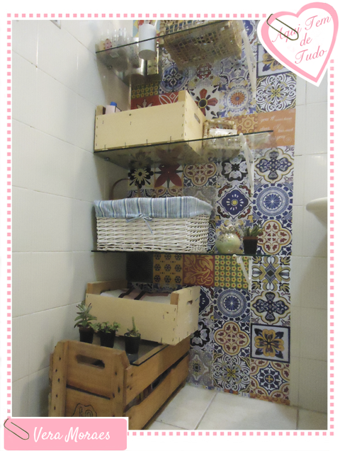 blog Vera Moraes  Decoração  Adesivos Azulejos  Papelaria Personalizada   -> Decoracao De Banheiro Com Caixote De Feira