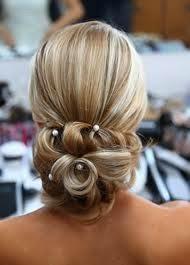 penteados-para-casamento-noiva-cabelos-longos-4