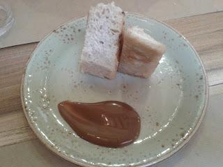 Torrija de brioche artesana con dulce de leche. Bar El Pintón. El Tapeador Sevilla