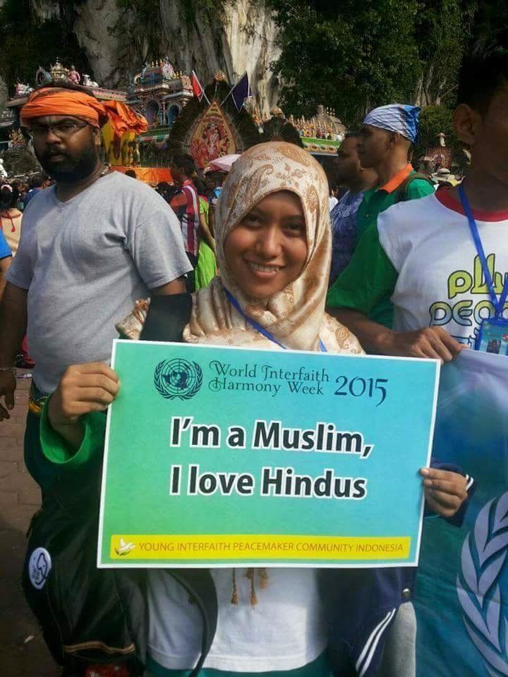 I M MUSLIM I LOVE HINDUS Aliran Pemikiran Liberal Hukum dan Implikasinya Kepada Islam Di Malaysia