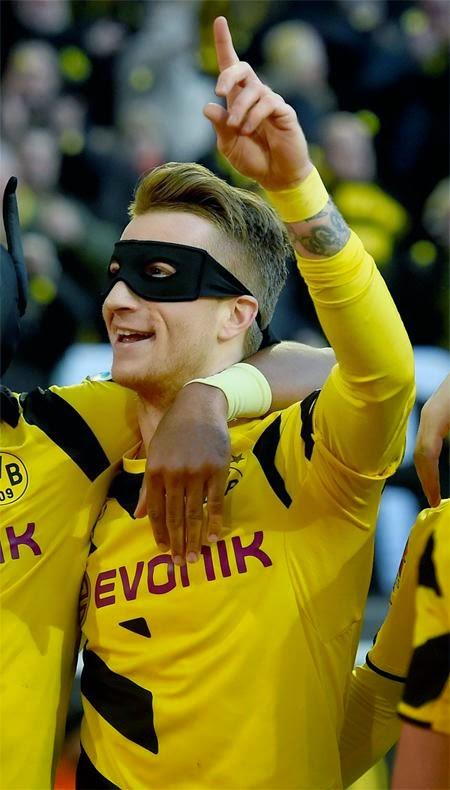 Borussia Dortmund midfielder Marco Reus celebrates victory of Schalke