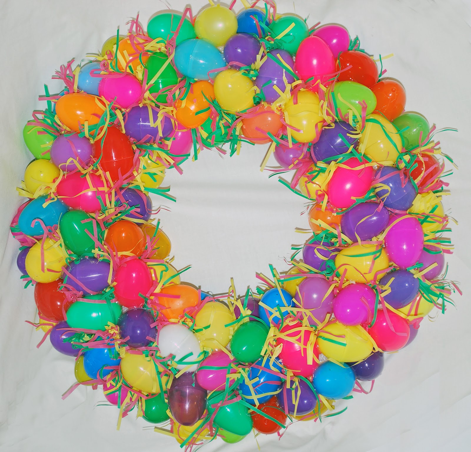 From The Dollar Store You Could Purchase Paper Gift Bag Grass These Eggs Are Not Decorated And It Still Looks
