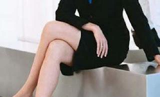 Berbahayakah duduk sambil menyilangkan kaki?