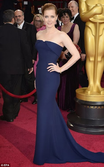 Amy Adams in a Navy Gucci dress at the Oscars 2014.