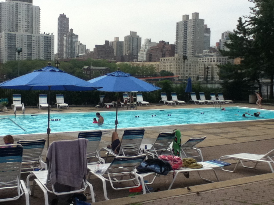 Roosevelt Islander Online Roosevelt Island Outdoor Swimming At Manhattan Park And Octagon